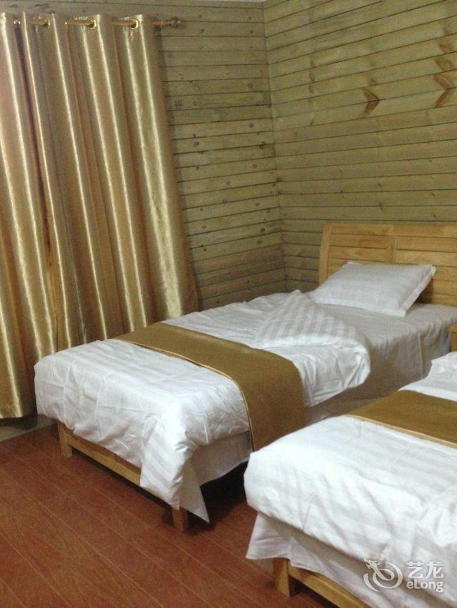 一线海景木板房
