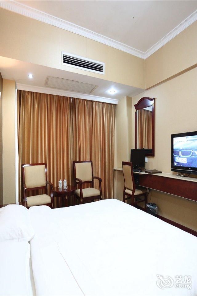 名富酒店简介     名富酒店是一家按国际四星级标准