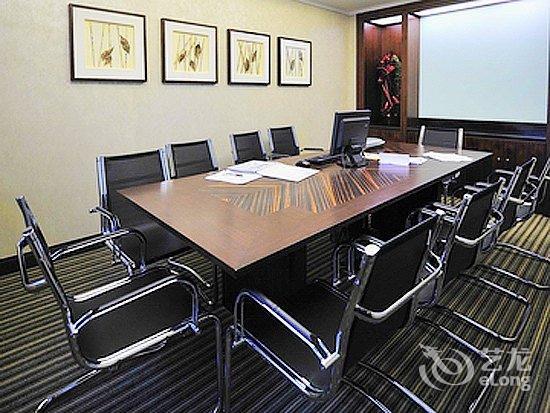 多功能会议室的电路布置要求