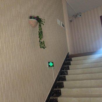 昌都芒康大酒店