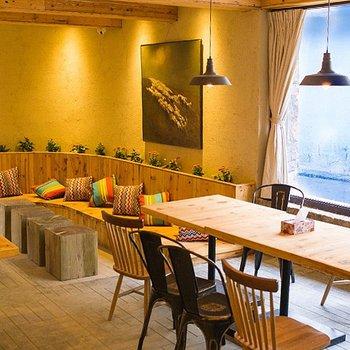 Blossom Hill Inn Shangri-La--Restaurant picture