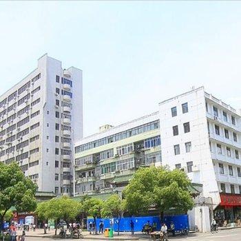 阳光青年求职公寓(八一广场店)