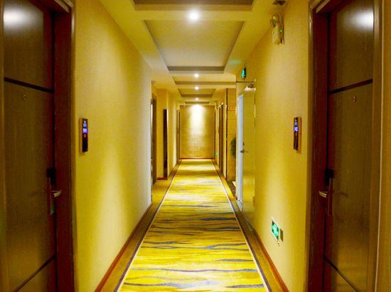 崇佑情趣精品(沙湾西惠安店)丝袜黑色男生酒店图片