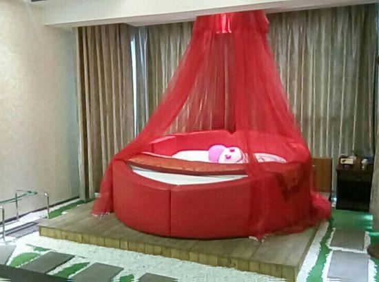 贵阳糖果丝袜酒店美女高跟鞋与情趣情趣图片