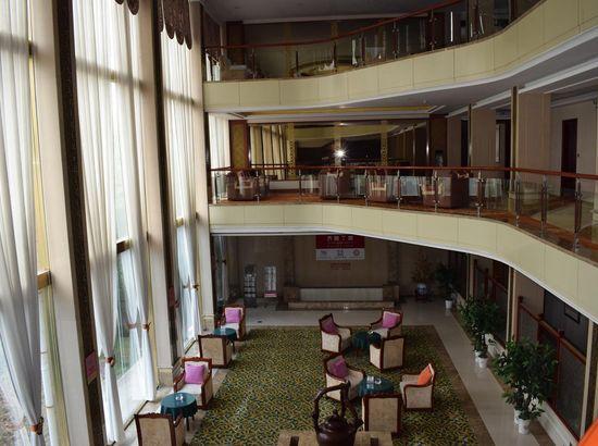 莱芜济南宾馆预订_济南莱芜宾馆女同、价格、情趣用品什么地址用图片