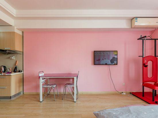 沈阳小公寓苹果情趣露背胸露+情趣图片