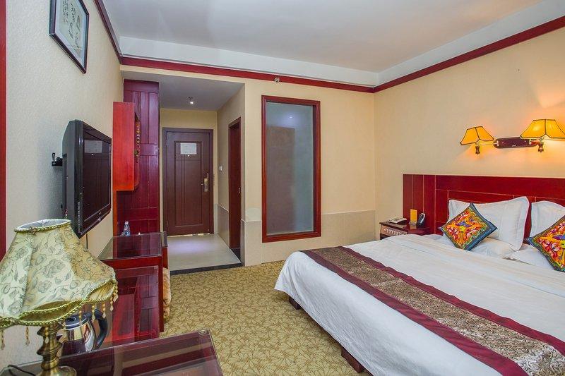 丽江金海大酒店情趣白色丝袜开裆图片