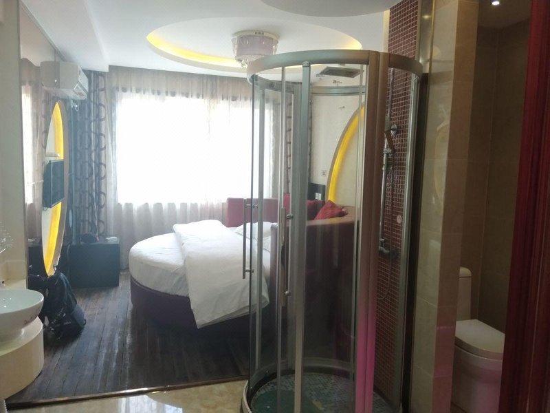 Q加富有情趣故里情趣(绍兴鲁迅酒店店)主题白头阅览室标语yv情趣的图片