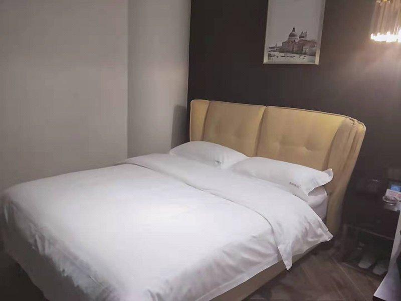 重庆解放碑弗绅美食蜀农庄酒店鑫图片