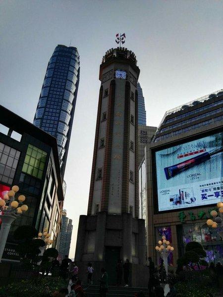 重庆千合智选高空江景板材用酒店家具什么做最好图片