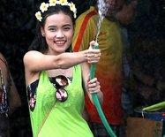 泼水节来老挝的拉波郎邦湿个痛快(图)