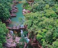 """【河南】十幾億年前形成的""""盆景峽谷"""",每年吸引幾百萬人前來參觀"""