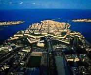 马耳他,黄与蓝相依相偎