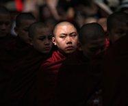 千僧饭局:缅甸最壮观的人文风景