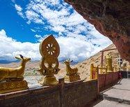西藏也有悬空寺,曾是僧人闭关苦修之地