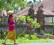 巴厘岛土著居民人人都有生殖崇拜,一般游客看不到