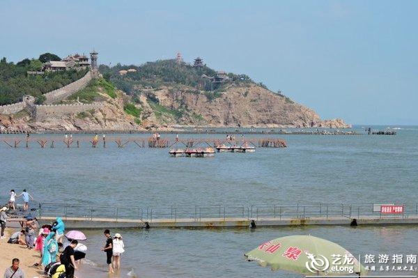 秦皇岛:全国最长临海沙滩木栈道