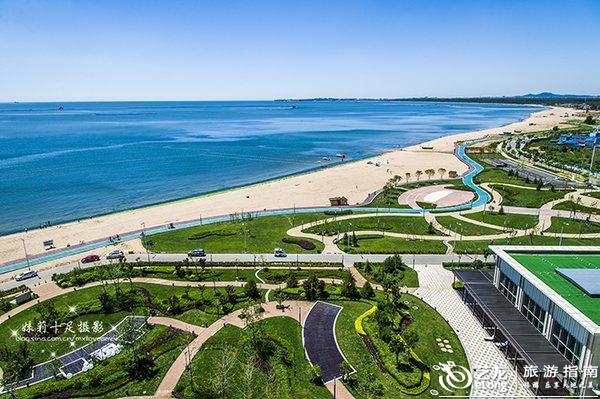 北戴河新区位于秦皇岛市区西部沿海,北起洋河、南到滦河、西至沿海高速和京哈铁路、东到渤海.