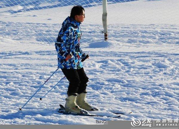 助力冬奥,阳光少年镜泊湖上的欢乐之冬