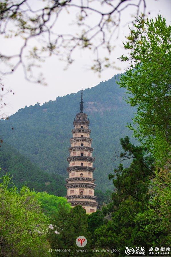 北方佛教砖塔的图片
