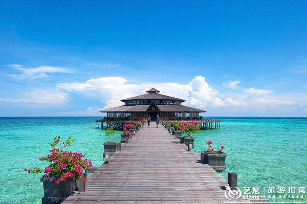 因为地理位置较偏远,所以相比沙巴热门的仙本那群岛,兰卡央岛可以算是