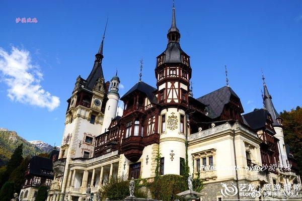 """派勒斯城堡有着德国""""新天鹅堡""""的影子,也就不足为奇了."""