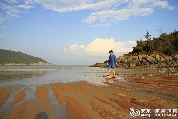 """东方渔都沈家门和金庸笔下桃花岛隔水相依,构成独特的""""舟山旅游金三角"""