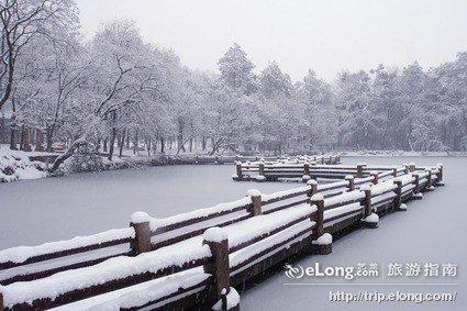 天平山雪景