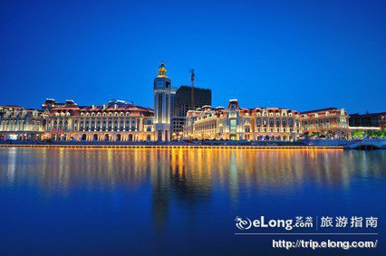 天津津湾广场夜景