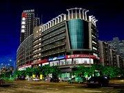 圣展酒店(南宁金湖广场地铁口店)