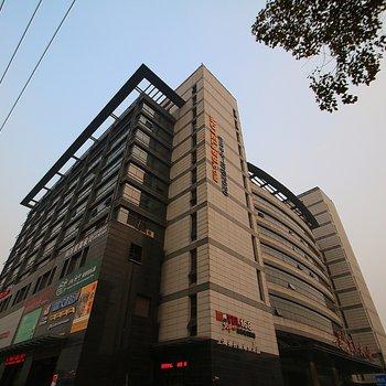 莫泰168(上海虹桥枢纽七莘路地铁站店)