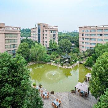中威蓝海御华大饭店(无锡惠山万达广场店)
