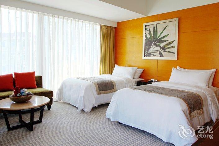 珠海拱北口岸希尔顿欢朋酒店客房