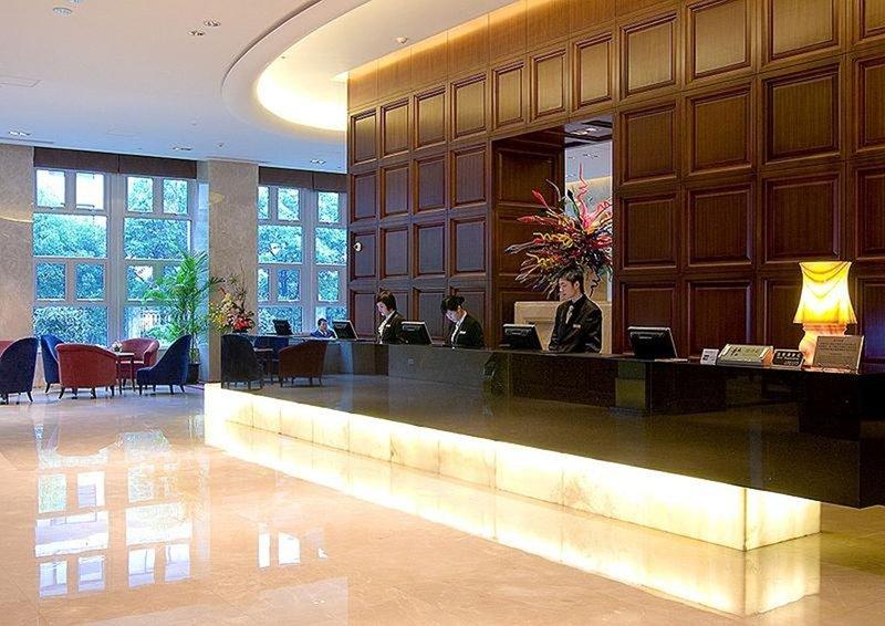 Ramada Plaza Shanghai Gateway Lobby