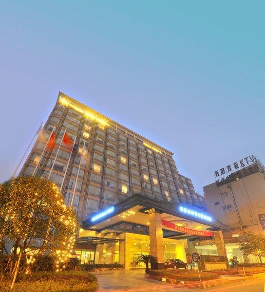 Riverside Fairmont Hotel Chengdu Over view