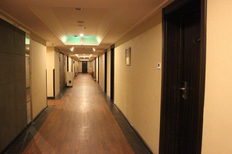 Zhanqiao Prince Hotel Qingdao Hotel public area