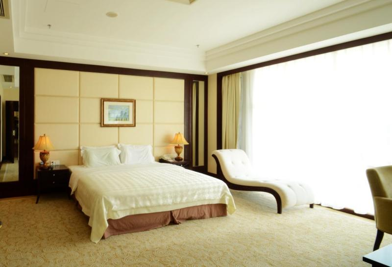 Huizhou Lakefront Golf club and Resort Room Type