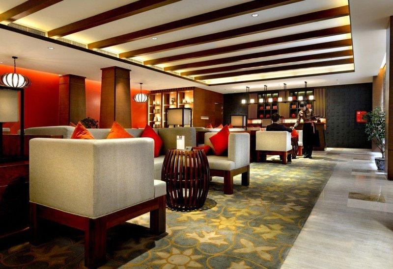 亚丁日松贡布皇冠假日酒店公共区域