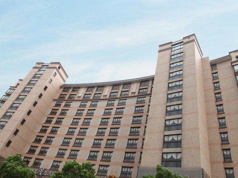 上海新东苑国际酒店式公寓酒店外观