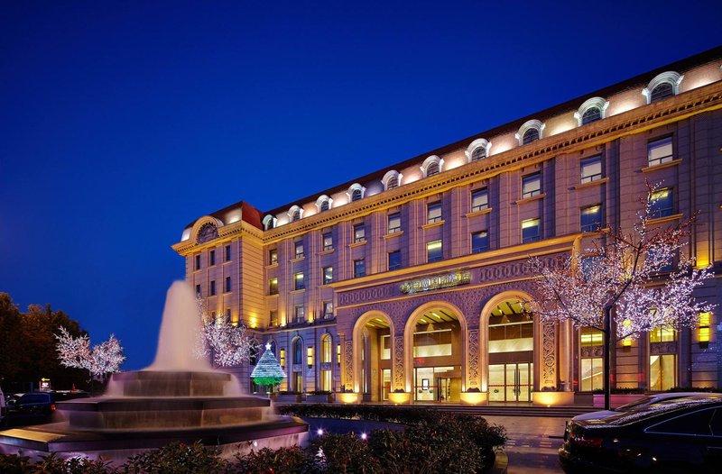 Zhengzhou Baishun International Hotel Over view