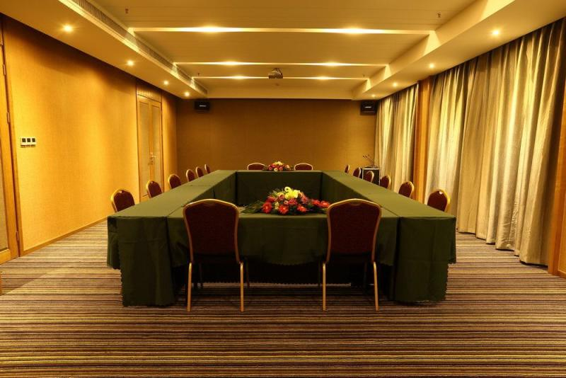 Hangzhou Yuquan Hotel meeting room