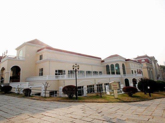 青岛花园大酒店—贵宾楼酒店外观