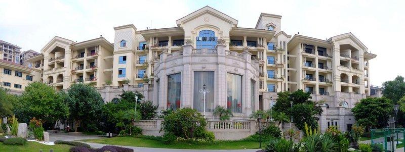 COUNTRY GARDEN PHOENIX HOTEL BEILIU Over view
