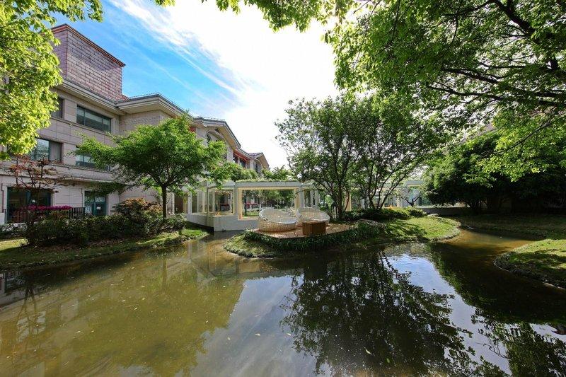 上海东方绿舟宾馆酒店外观