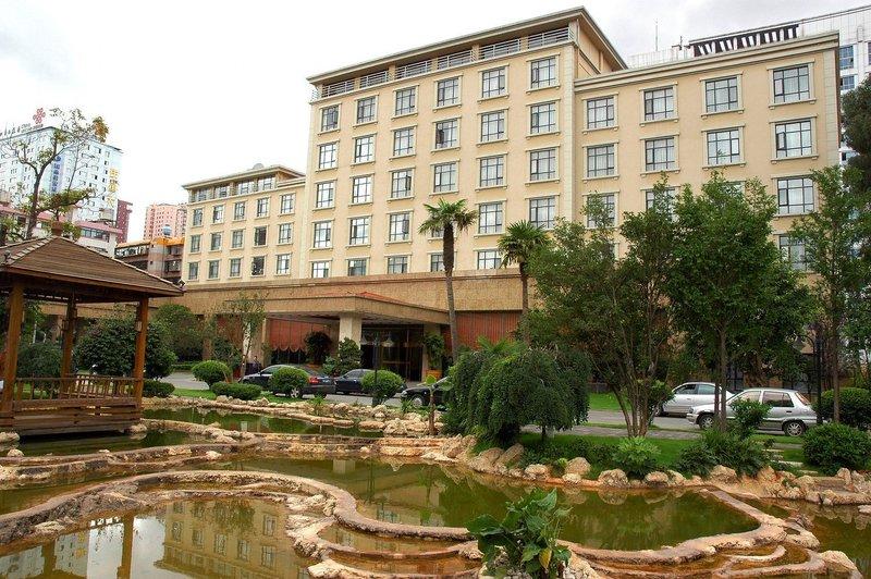 云南震庄迎宾馆酒店外观