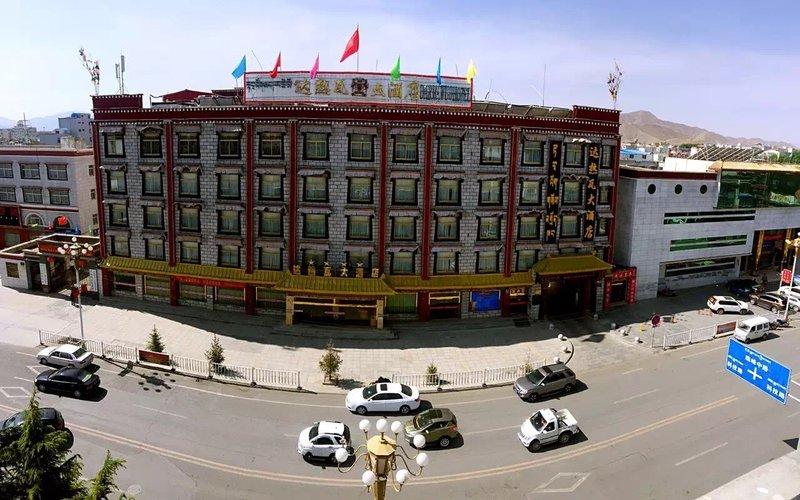日喀则达热瓦大酒店酒店外观