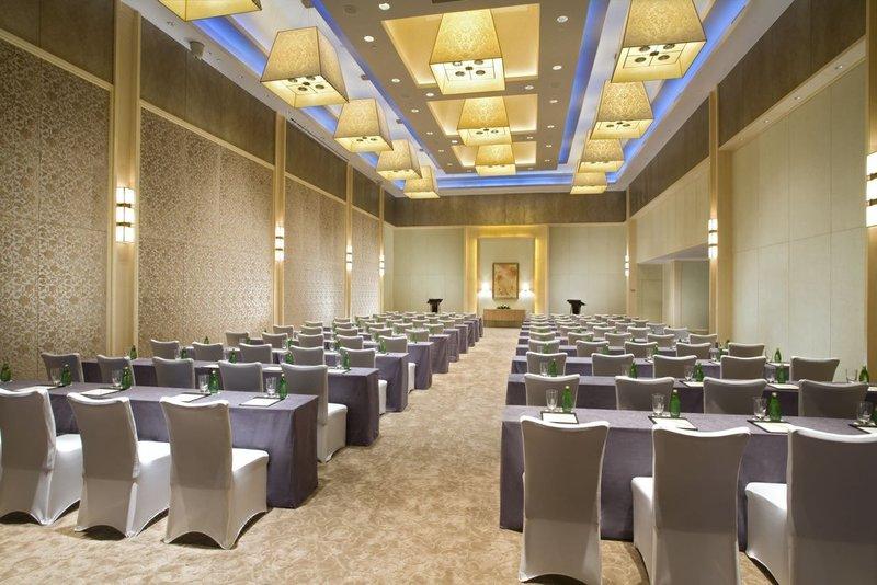 广州南沙凤凰湖木莲庄酒店会议室