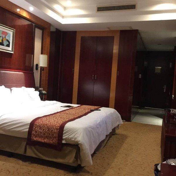 上海宿适皇冠大酒店(原世纪和平广场大酒店)房型