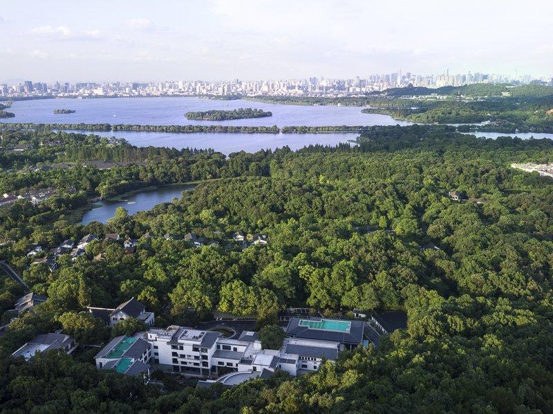 Sunday Sunny Resort Hangzhou Over view