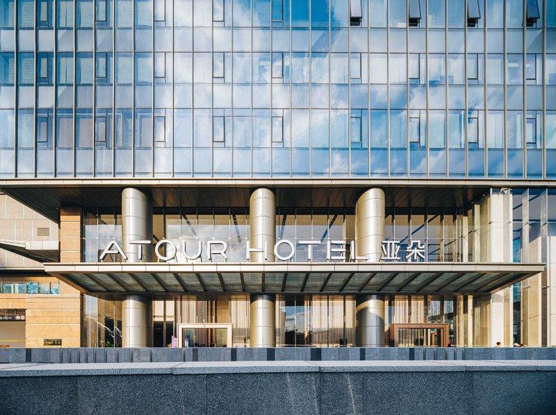 深圳水贝IBC亚朵酒店外观